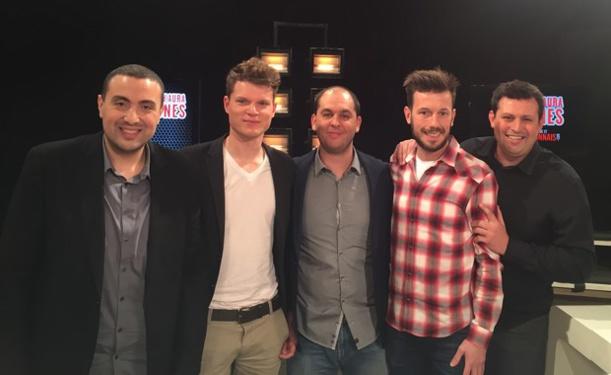 """Daniel Jaccard (deuxième en partant de la droite), le gardien de MDA Chasselay, avec l'équipe de télévision de """"Tant qu'il y aura des Gones"""""""