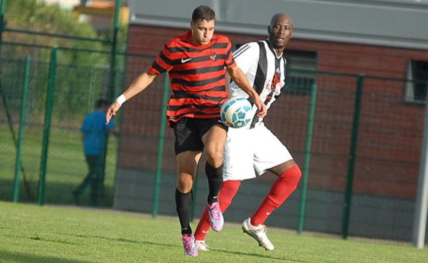 Le FC Vaulx aime l'Ardèche, Maouchi aussi, auteur des deux buts de la victoire du FC Vaulx sur le terrain du FC Rhône Vallée samedi soir