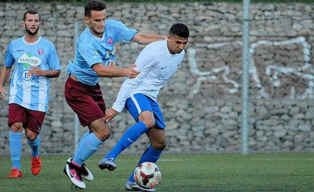 Yanis Merdji va franchir le pas du foot pro au FBBP01