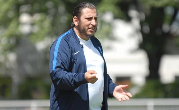 Mourad Boulemtafes, l'entraîneur de l'O. Belleroche