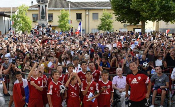 Coupe du Monde (vidéo) - Corentin TOLISSO s'est adressé aux Amplepuisiens