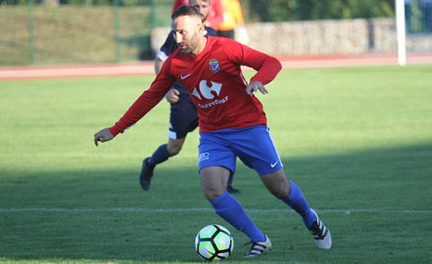Cemil Avci, premier buteur de l'histoire du FC Vénissieux (photo Carlos Soto)