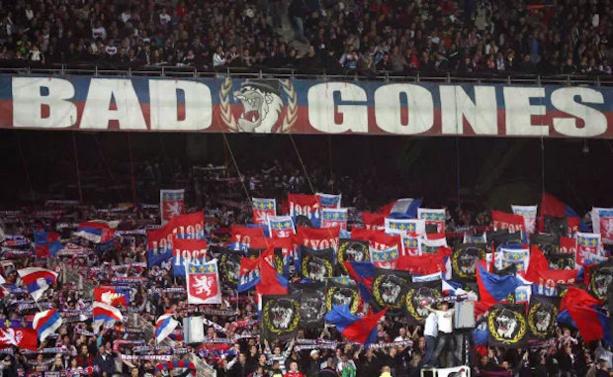 OL INFO - Cinq supporters lyonnais agressés à BARCELONE