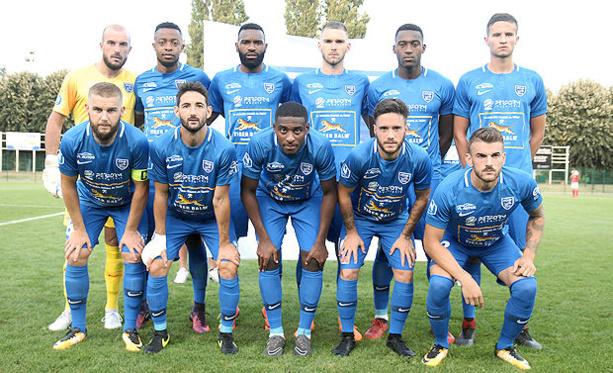 FC VILLEFRANCHE - Le groupe pour la réception de la JA DRANCY