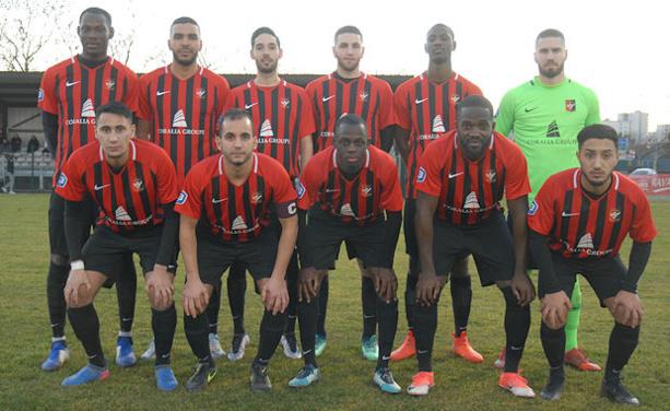 FC VAULX - Le GROUPE pour le déplacement au FC CHAMALIERES