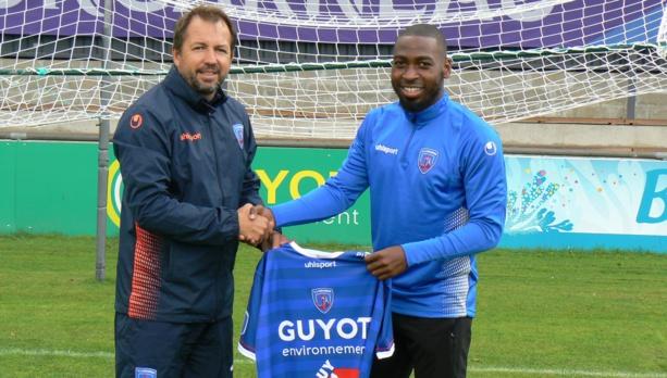 Christopher Shiashia quitte Lyon Duchère pour un autre club de National
