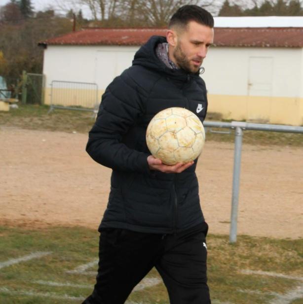 Laurent Berengue quitte l'ES Frontonas