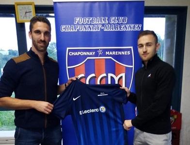 Le FC Chaponnay-Marennes tient sa 1ere recrue