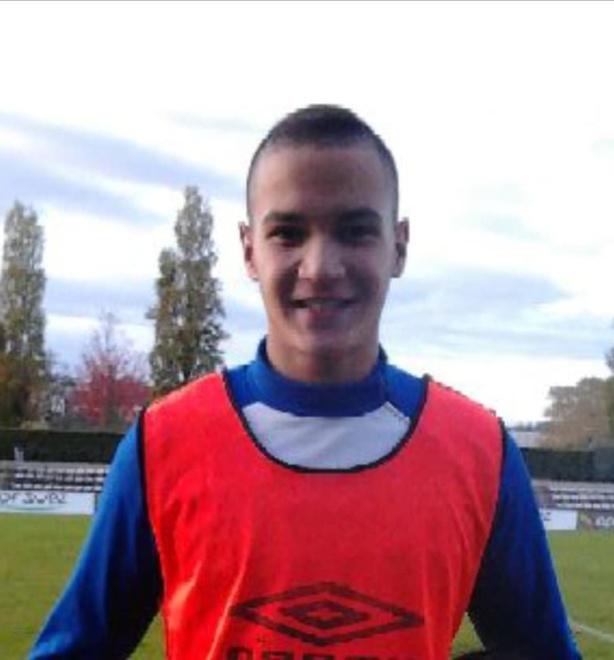 Un milieu droit rejoint le FC Vareze