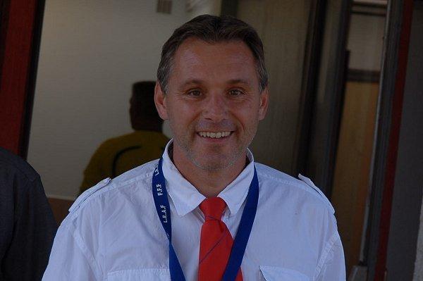 A 42 ans, Franck Cannaux écume toujours les terrains de foot... Comme délégué !