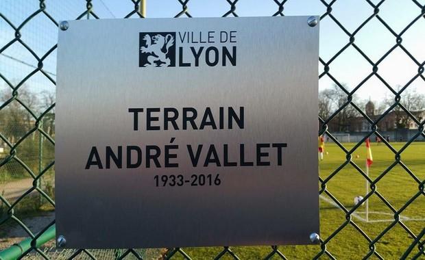 Le terrain du FC Lyon porte désormais le nom d'André Vallet