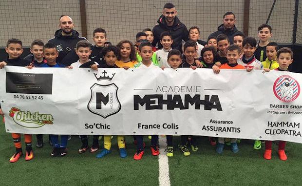 Les stagiaires de l'académie Mehamha en compagnie de Rachid Ghezzal