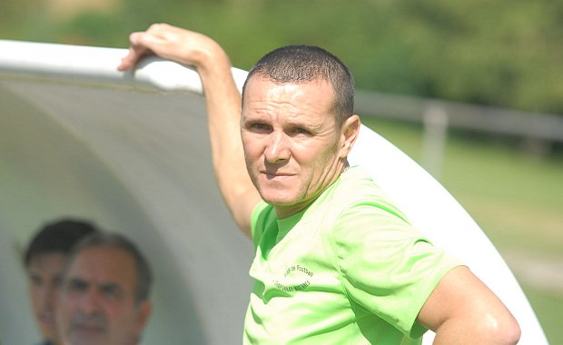 Victor Pedreiro, l'entraîneur du FC Chaponnay-Marennes