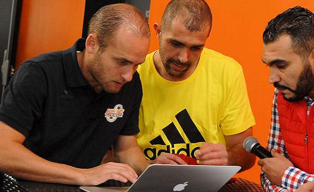 Antony Esparza, gérant du Sun Set Soccer de Mions