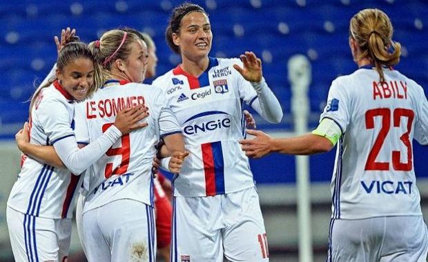"""L'OL vise un nouveau triplé """"D1-coupe de France-coupe d'Europe"""" (crédit : olweb.fr)"""