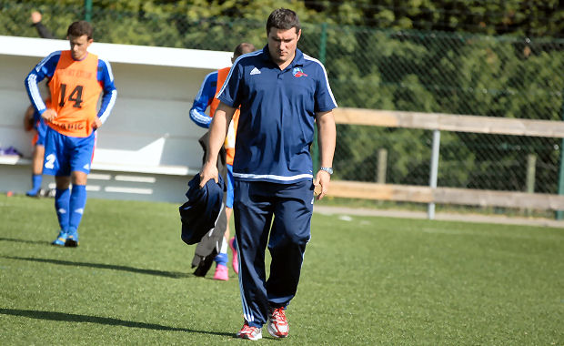 Jérôme Guichard, l'entraîneur de l'Olympique de Saint-Genis Laval