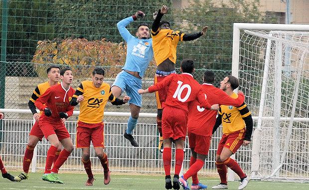 "Gambardella U19 - Ayoub CHORFA : ""On sent une certaine excitation dans le vestiaire..."""