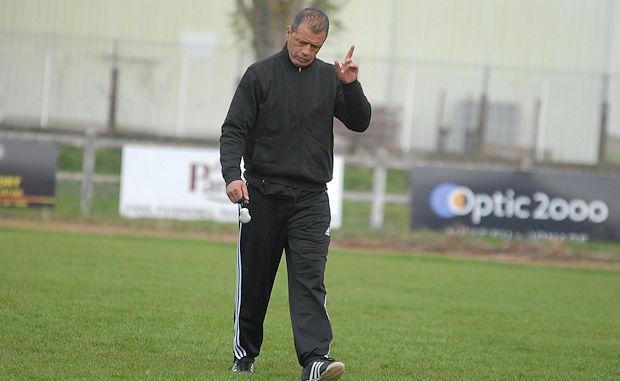 Nacer Bechoua (entraîneur US Meyzieu)