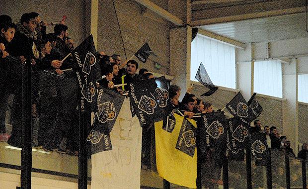 Le Futsal continue de faire recette à FS Mont d'Or ou encore près de 250 personnes étaient venues assister au derby contre ALF samedi en fin d'après-midi.