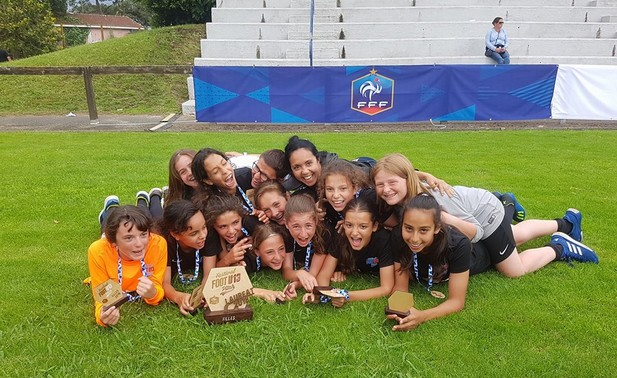 Les ECHOS des CLUBS - Les U13 de l'OL championnes de France !