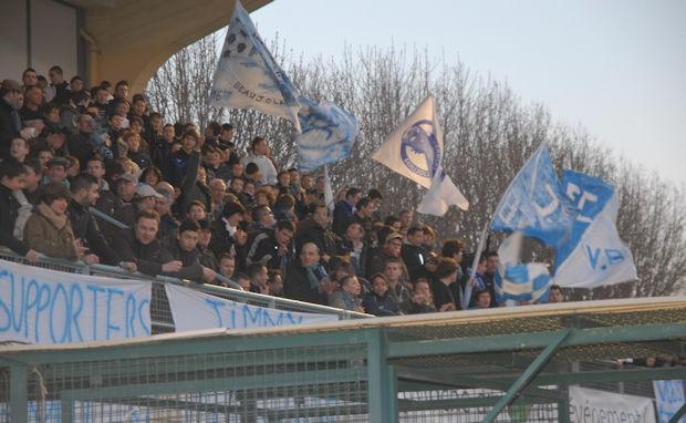 FC Villefranche - Pas de record d'affluence à CHOUFFET, pelouse bâchée