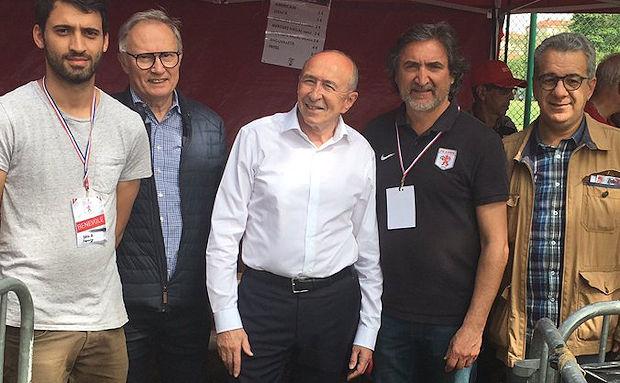 Top Gônes FC Lyon - Gérard COLOMB  a retouché le ballon, les Gônes au top