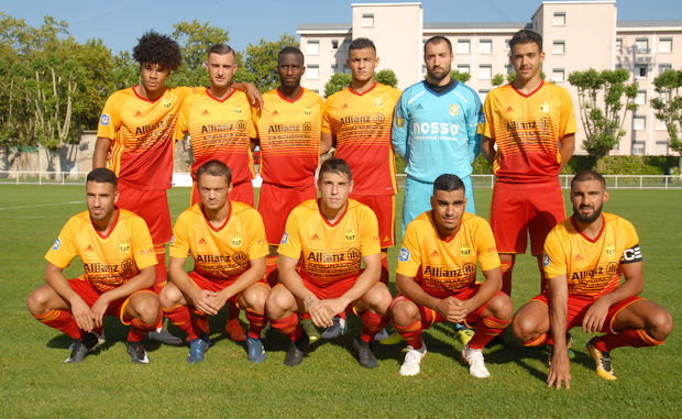 AS SAINT-PRIEST - Le groupe pour la réception du FC HYERES