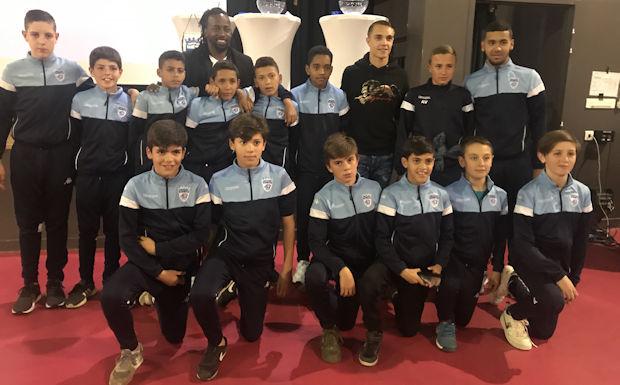Les U12 du FC Limonest-Saint-Didier auront fort à faire... mais comment pouvait-il en être autrement dans un contexte aussi relevé.