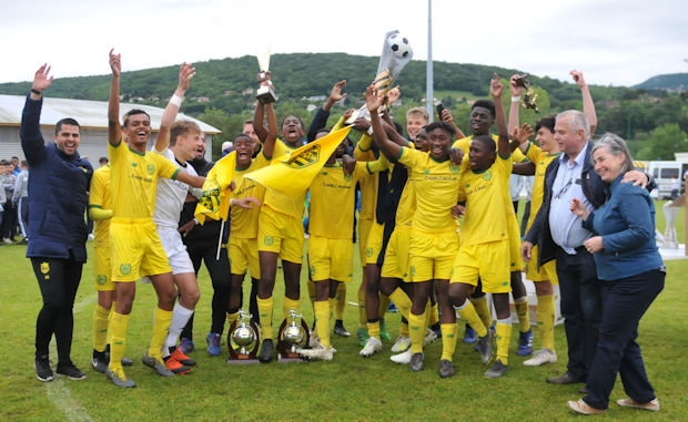 Tournoi international U15 CS NEUVILLE - La tornade JAUNE !