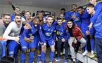 La joie dans le vestiaire du FC Villefranche (photo Le Progrès)